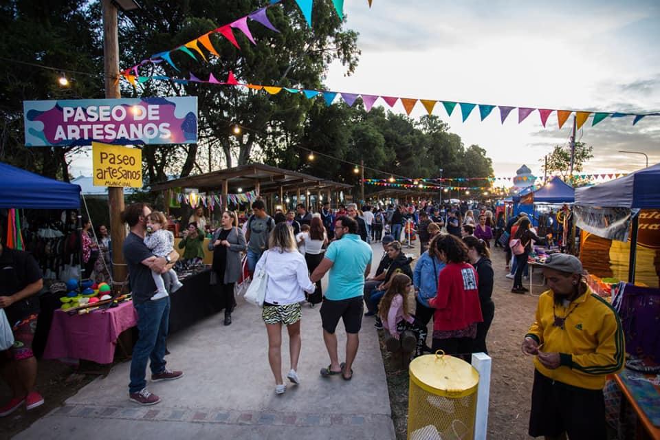 Convocan a artesanos y propietarios de carritos gastronómicos para la temporada de El Cóndor