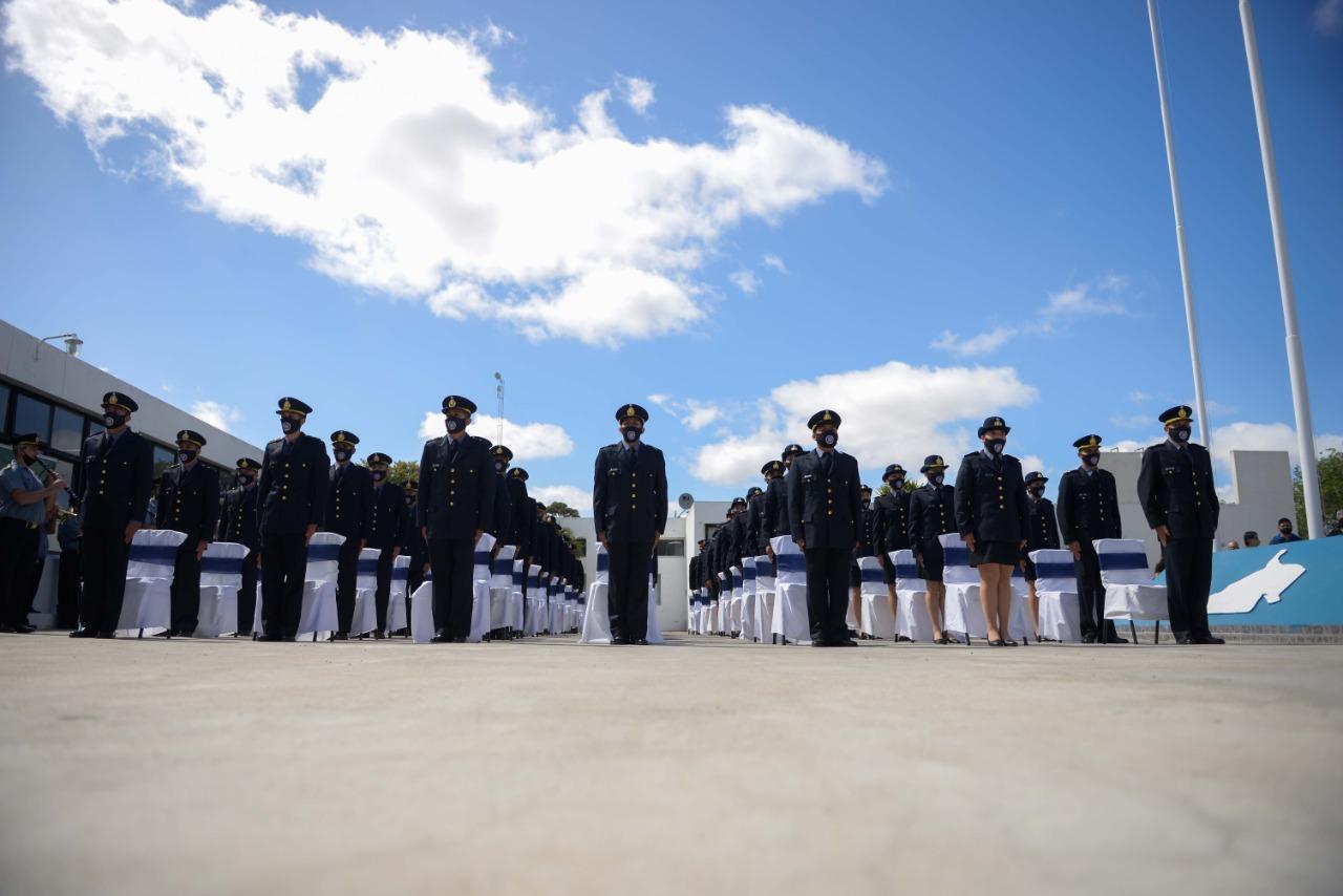 Acto de egreso: La Policía rionegrina tiene 66 nuevos Oficiales Ayudantes