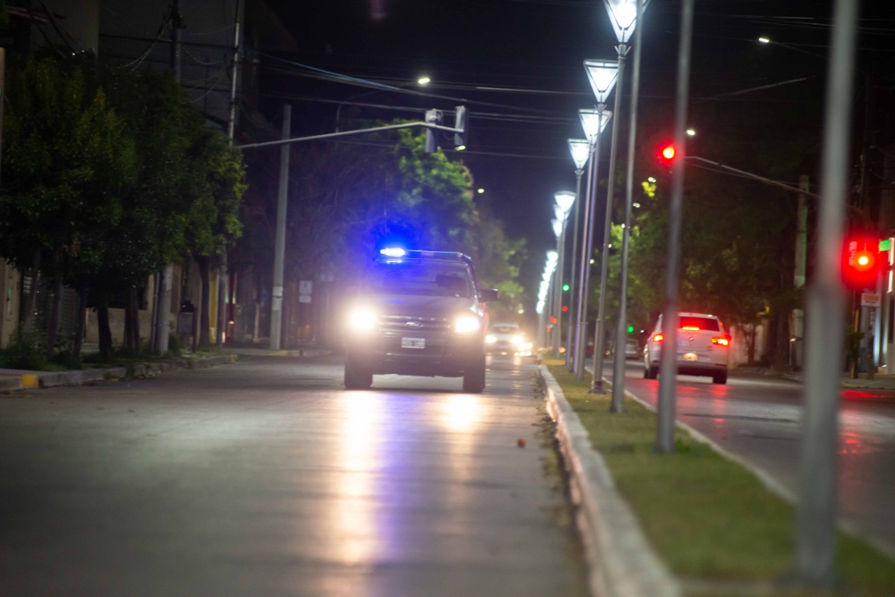 Más de 100 personas participaban de una fiesta clandestina en la Costanera de Viedma