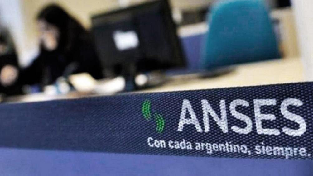 Anses difundió el cronograma de pagos para jubilaciones, AUH, AUE y tarjeta Alimentar