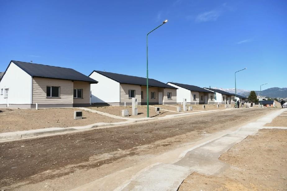 Familias de Bariloche recibieron sus viviendas en diciembre pero no tienen luz ni gas