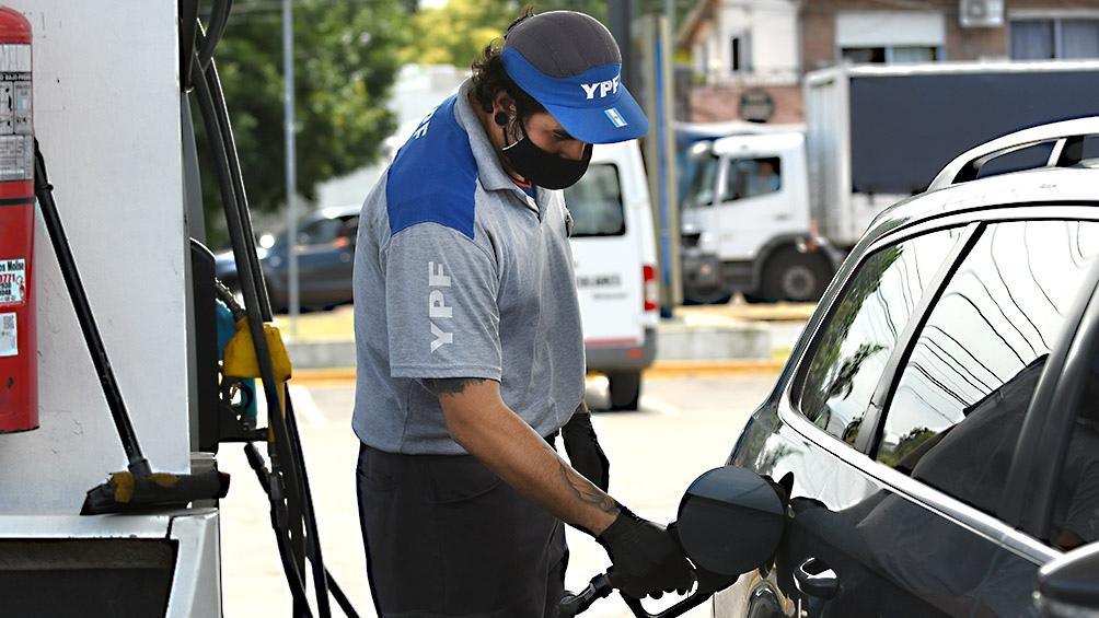Alrededor del 3,5% en todo el país: YPF volvió a subir el precio de los combustibles