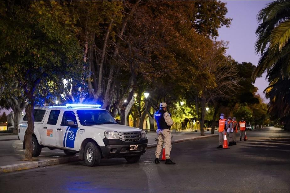 Río Negro: Extienden hasta el 28 de febrero las restricciones de circulación nocturna