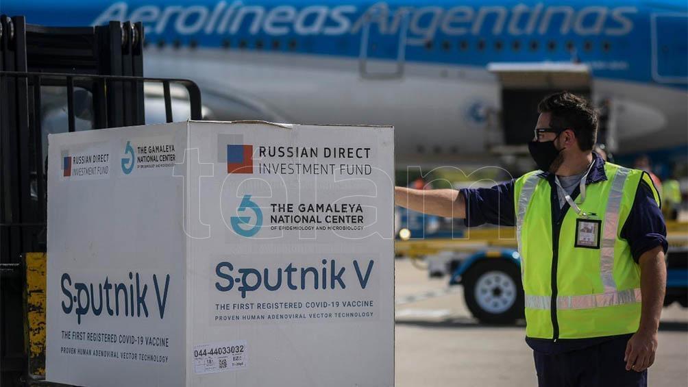 Con prioridad para los mayores de 70, distribuyen 337.800 dosis de la Sputnik V en todo el país