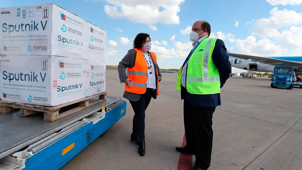 Llegó otro vuelo con casi 500.000 vacunas y Argentina superó las 7 millones de dosis