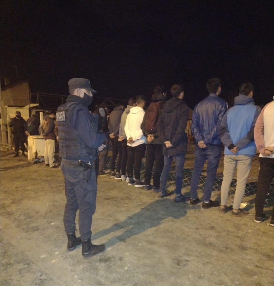 La Policía desarticuló una fiesta clandestina en Bariloche con más de 50 personas