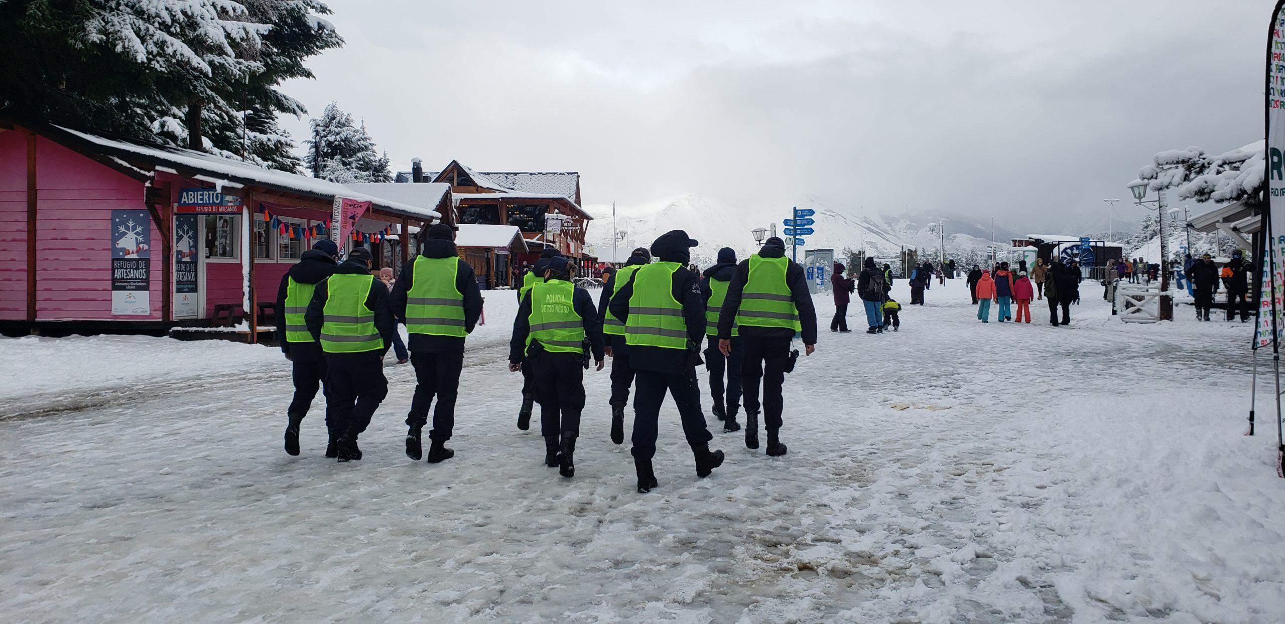 Bariloche: Diez detenidos por una fiesta clandestina en el Cerro Catedral