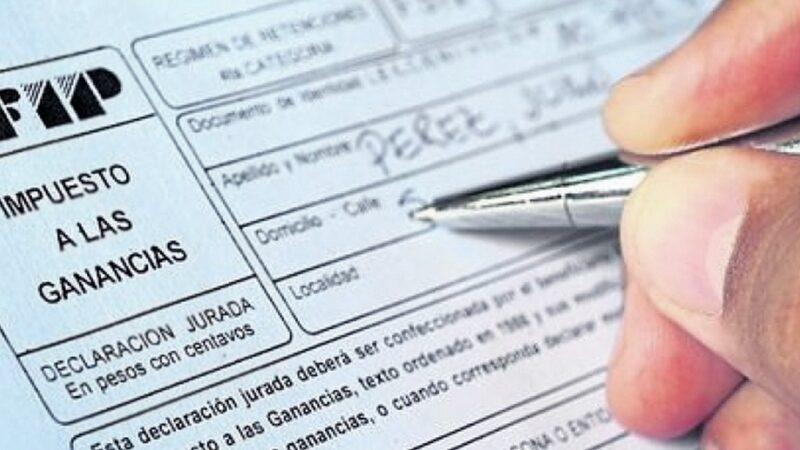 El Gobierno nacional subió a $175.000 el piso para el pago de Ganancias